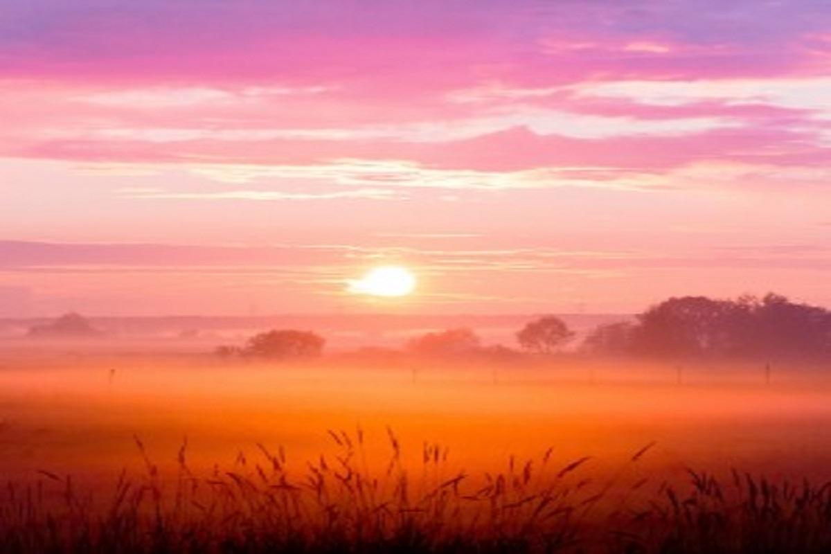 Un                                                           magnifique                                                           coucher de                                                           soleil                                                           luminotherpai-formation.com                                                           Martine Roux