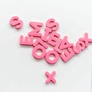 Lettres de l'alphabet roses